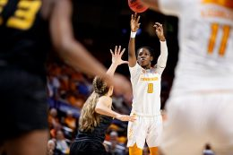 Lady Vols player shooting vs Kentucky Women's Wildcats